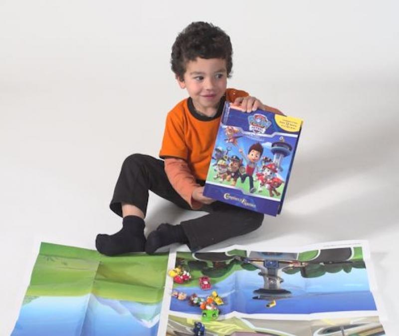 la gran aventura incluye un relato 12 figuritas y un tapete de juego paw patrol patrulla. Black Bedroom Furniture Sets. Home Design Ideas